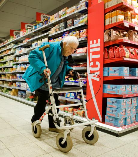 Boodschappenbus voor bejaarden in Opijnen