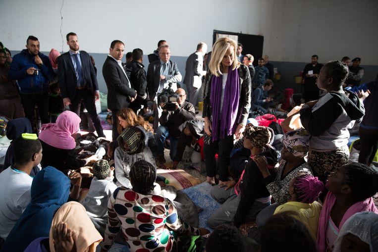 Minister Kaag bracht tijdens haar reis naar Libië o.a. een bezoek aan een detentiecentrum. Beeld Foto's BZ | Mohamed Ben Khalifa