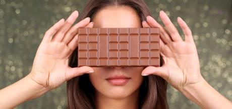Vrouw in winkel betrapt met 9 kilo chocoladerepen onder haar rokken