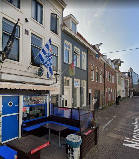 GA Eagles-supporters takelen auto en supporterscafé in Zwolle toe en krijgen een werkstraf