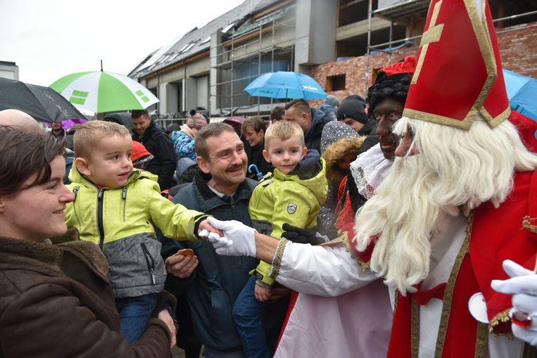 Sinterklaas komt aan in Londerzeel.
