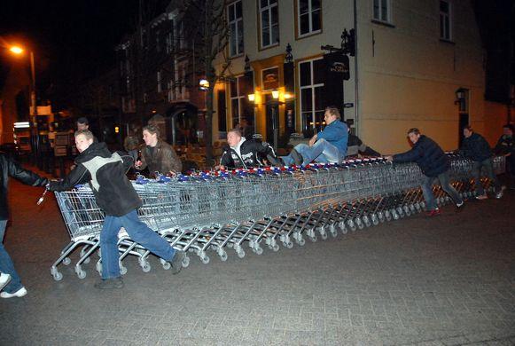 Beelden van Poortje Pik meer dan tien jaar geleden in Baarle-Hertog.