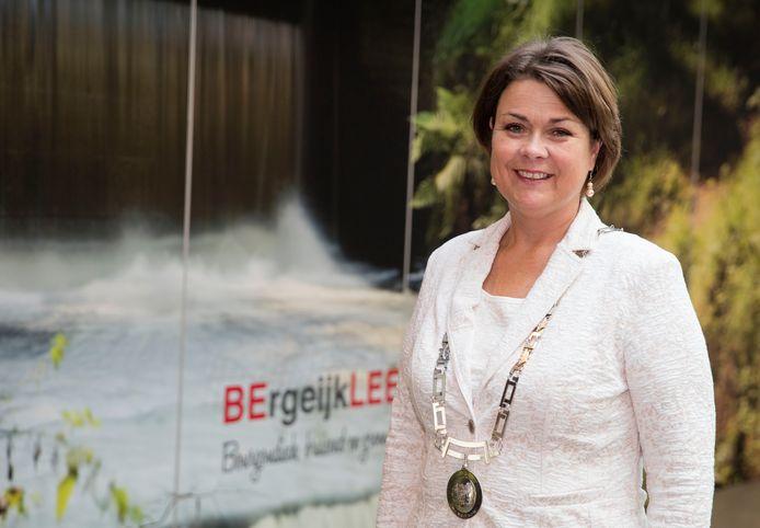 Burgemeester Callewaert van Bergeijk.