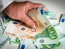 Albanees loopt tegen de lamp als koffer met 50.000 euro openbarst