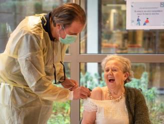 """Voorlopig geen uitbraken met Britse coronavariant in Gentse woonzorgcentra: """"Vaccinaties worden uitgevoerd zoals gepland"""""""