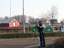 Politie slingert zestien hardrijders op Sportlaan op de bon