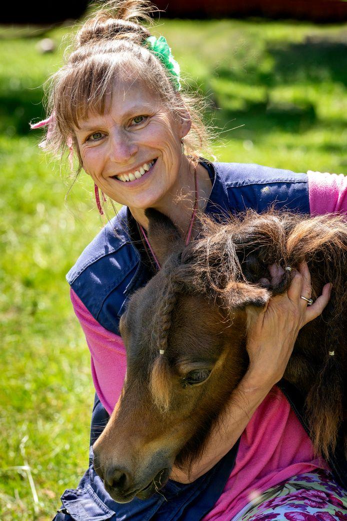 """Anja Kouwenberg  van kinderboerderij De Oosterhoeve: ,,Bij zowel de Bosschenaren als in de lokale politiek merk ik steeds meer besef dat we beter voor de natuur moeten zorgen, zodat we er ook langer van kunnen blijven genieten."""""""