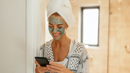 De beste gezichtsmaskers voor voor en na de feestdagen