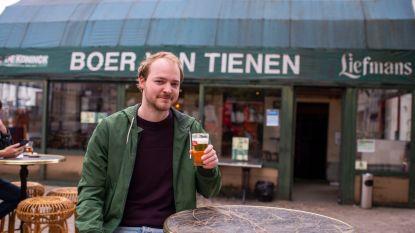 Van slaapdronken tot straalbezopen: onze man ging zestien uur lang op café in Antwerpen