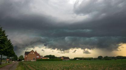 Zwaarbewolkt weekend met af en toe lichte regen of motregen