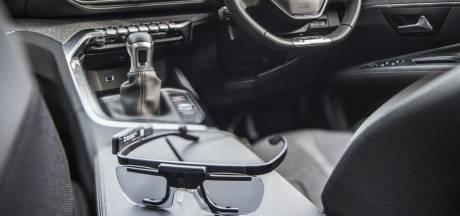 Automobilist let zeven procent van de rijtijd niet op de weg