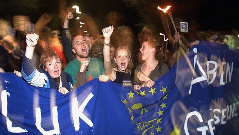 Denen zeggen nee tegen deelname van hun land aan de euro, september 2000. Beeld epa