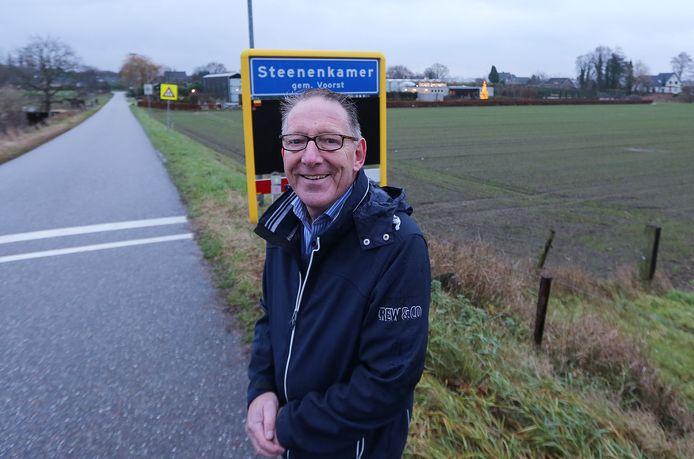 Henk Grooters schreef een boek over Steenenkamer. ,,Wat hebben onze voorouders meegemaakt en hoe leefden ze hier?''