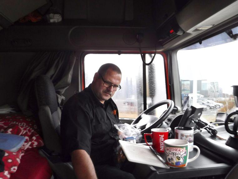 Romana mee op de truck naar Engeland Beeld Romana Abels