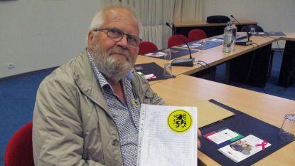 N-VA Holsbeek overhandigt partituren van De Vlaamse Leeuw aan gemeentebestuur