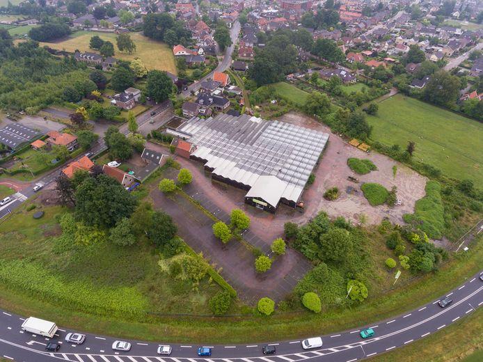 Het voormalige tuincentrum Tubbergen, beter bekend als De Esch. Op deze plek komen mogelijk 51 woningen.