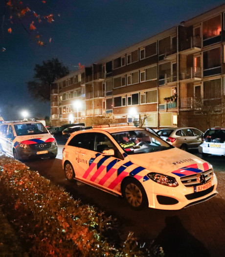 Zwaargewonde man bij schietpartij in Brabant: traumaheli en twee ambulances rukken uit