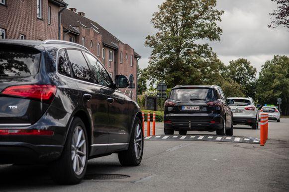 Proefopstelling met verkeersdrempel in de Driesstraat in Zele.