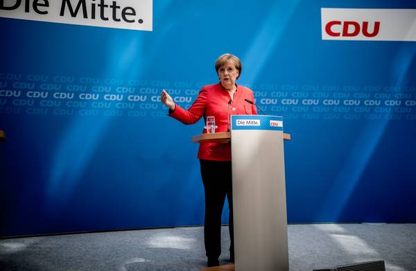 **CSU geeft Merkel ultimatum van twee weken om afspraken over migratie te maken**