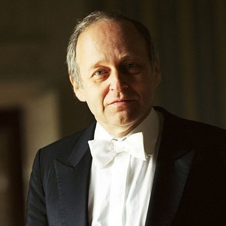 Dirigent Ádám Fischer. Beeld Dirigent Ádám Fischer