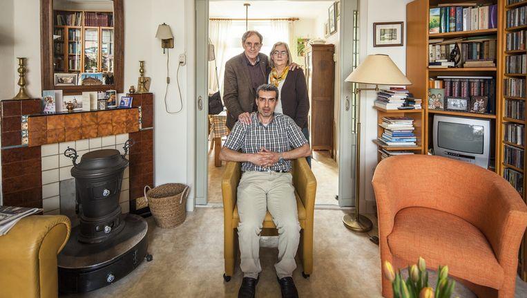 Krijn en Trijntje de Jong hebben onderdak verleend aan de uitgeprocedeerde asielzoeker en Koerd uit Iran Syros Saidi. Beeld Harry Cock / de Volkskrant