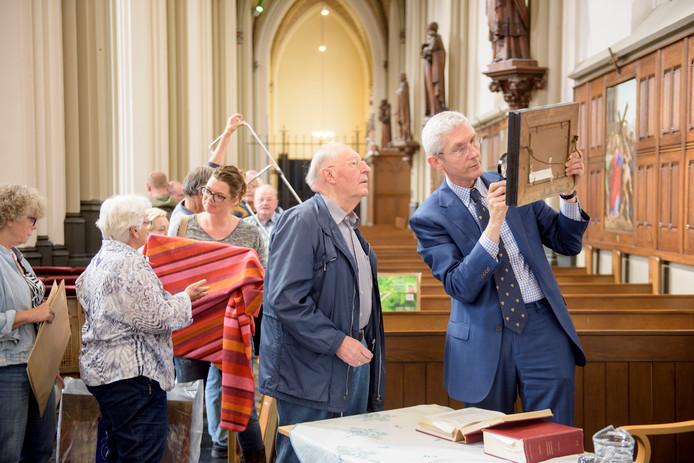 """Woenselse Petruskerk heeft zijn eigen """"tussen Kunst en Kitsch""""."""