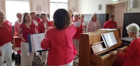 Nieuwe rubriek: Jelle... en de zingende oma's