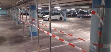 Almelo sluit parkeergarage na vallende betonbrokken