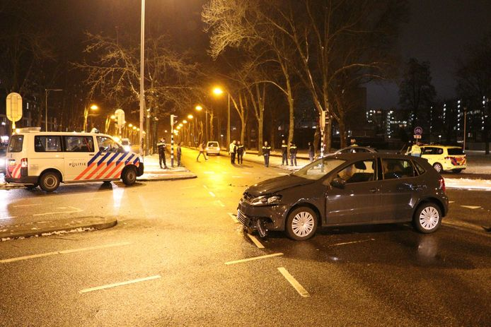 Opnieuw een ongeval met een betrokken auto van de politie in Utrecht.