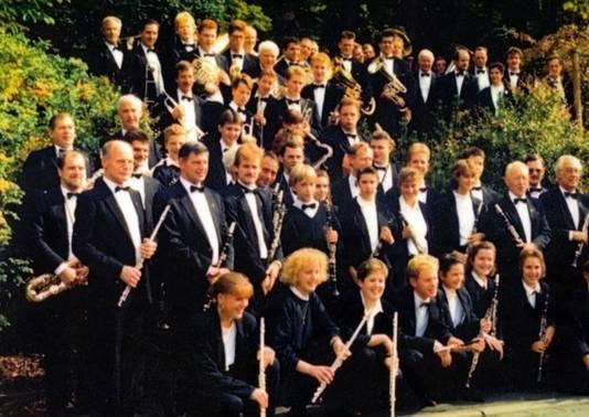 Concertreis (1989) naar Dillenburg in Duitsland. Ton met dwarsfluit helemaal links.