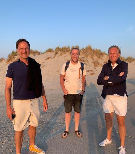 Rutte en Kelder op doodnormale vakantiefoto: tweet van Bert-Jan vanaf Terschelling maakt veel los