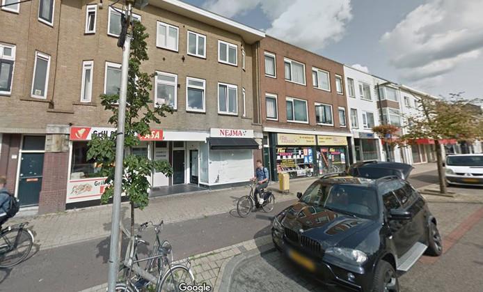 In het Turkse afhaalrestaurant Pasa op de Amsterdamsestraatweg werd Lucas tegen de grond geslagen.
