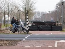 Manegehouder in Baarn boos om auto's op zijn erf