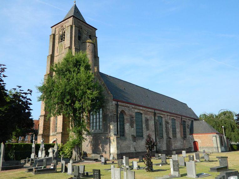 De kerk in het centrum van Sint-Laureins wordt de enige waar er nog een wekelijkse zondagsmis plaatsvindt.