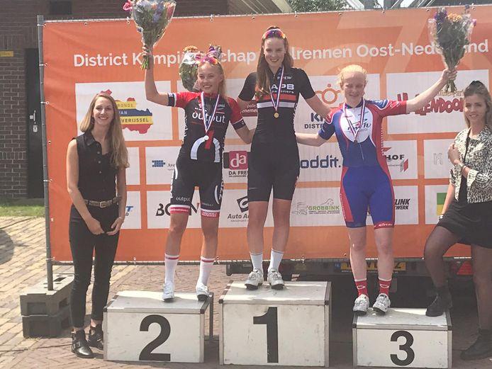Ilse Pluimers wint DK Oost bij junior-vrouwen.