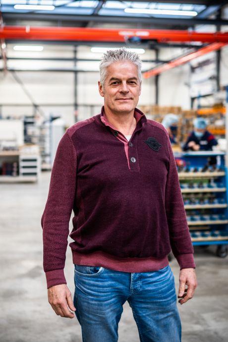 Arnhemse ondernemer geeft deze kerst aan voedselbank in plaats van aan klant: 'We hebben er dertig seconden over gepraat'