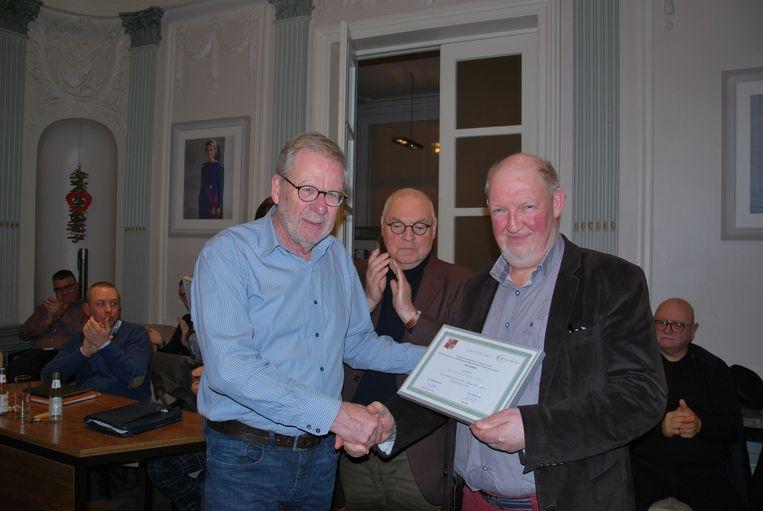 Marc Debie, kreeg onder meer de titel ereschepen. Het certificaat van zijn eretitel werd overhandigd door de voorzitter van de gemeenteraad, Carlos Verbrugghe.