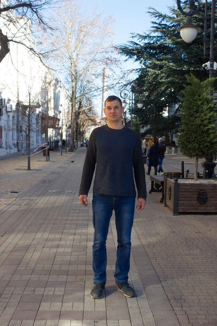 Grigori Nazarov, persvoorlichter van de VAD, de hoofdaannemer van de Tavrida-snelweg: 'De inwoners van de Krim spaarden vroeger voor een fiets, nu spaart iedereen voor een auto.'  Beeld Jarron Kamphorst