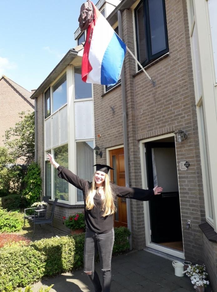 Vera Wijsman uit Woubrugge is geslaagd voor haar havo.
