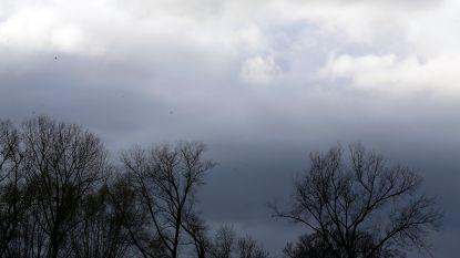 Droog maar veelal zwaarbewolkt, morgen regen