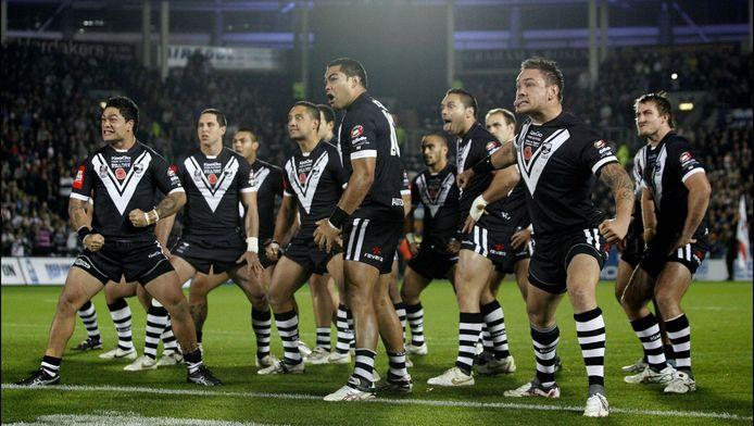 De Nieuw-Zeeland Kiwis doen een traditionele haka voor hun match