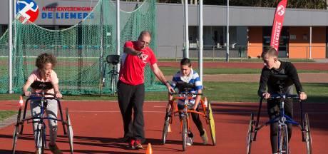 Mensen met handicap 'racerunnen' in Zevenaar: 'Een gigantisch mooie mogelijkheid!'