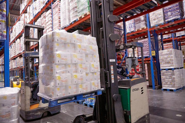 Colruyt overweegt aantal pakken toiletpapier per klant te beperken.