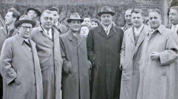 De Dokter Tistaervrienden van het eerste uur met (vlnr) journalist Grimonpont, Isidoor De Paepe, Adolf Bornauw, Adolf De Smet, toenmalig voorzitter Gust Van Ransbeeck en Pierre Buyl.