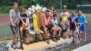 Oude skateboards vormen 'King Size'-zitbank