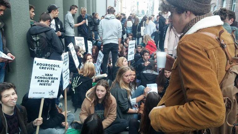 De leerlingen van Sint-Lucashumaniora protesteerden als op 23 september, toen minister-president Bourgeois naar Gent kwam.