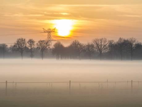 Opnieuw vertragingen op Eindhoven Airport vanwege dichte mist, code geel in zuiden van het land