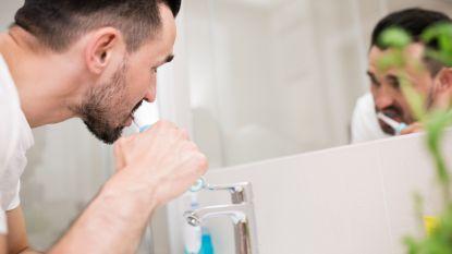 In je elektrische tandenborstel & andere plekken waar schimmels zich in verstoppen zonder dat je het beseft