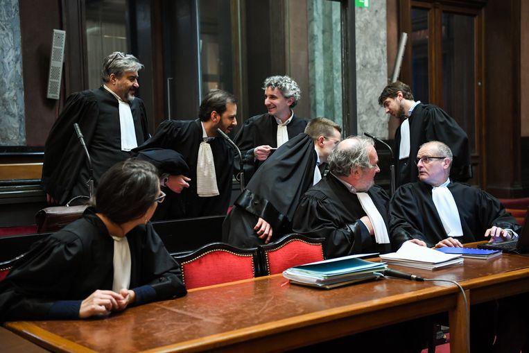Advocaten bij de start van de zitting over de aanslag in het Joods Museum in Brussel gisteren.