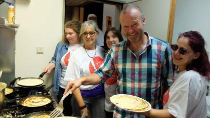 Den Draai bakt pannenkoeken tegen armoede in CC